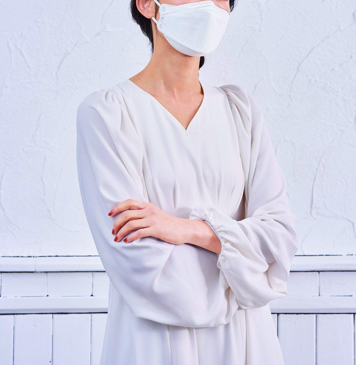 4層構造不織布立体マスク5 枚入(ホワイト)