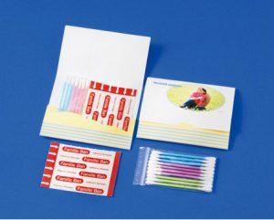 オリジナル紙製ケース付き 絆創膏 Mサイズ×2枚 めん棒×10本