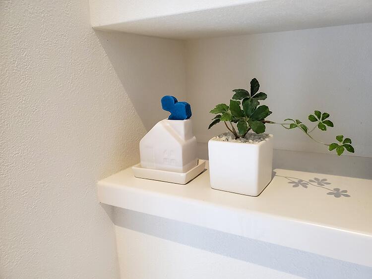 陶器でできたおうち型気化式「陶製エコ加湿器」